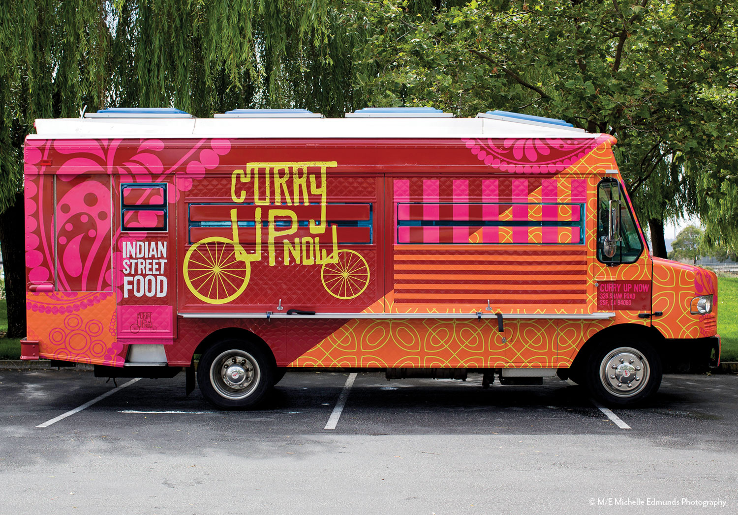 curry up now restaurant food mobile food truck wrap design@2x